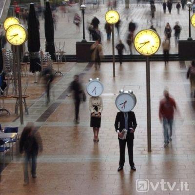 laikas_skubejimas_laikrodziai_zmones