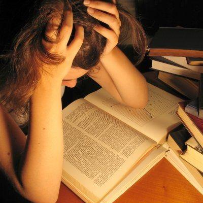mergina_studente_mokslai_sesija_egzaminai