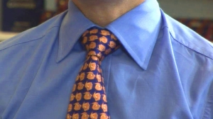 how-to-tie-a-tie-using-a-full-windsor-kn